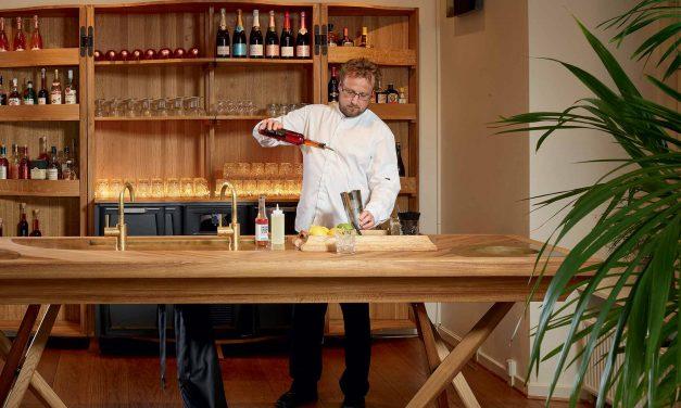 Restaurantchef Hasse Bonde-Sterup har nyt madkoncept og sommeridyl på menukortet på Sinatur Hotel Haraldskær
