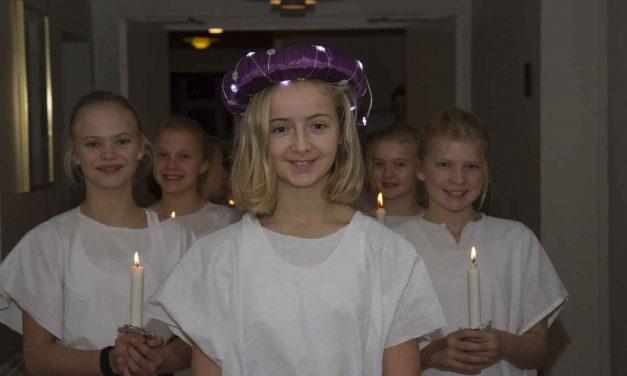 Mille på 12 år var Lucia-brud på Sinatur Hotel Haraldskær