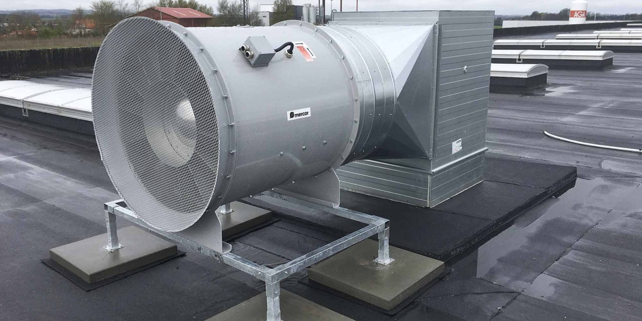 Mekanisk brandventilation installeret i ny produktionshal hos vindmølleproducent