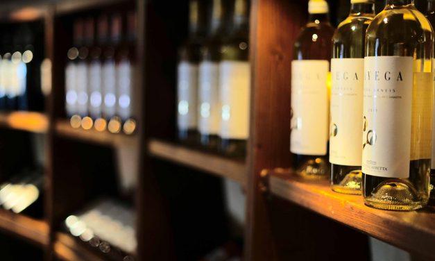 Globus Wine