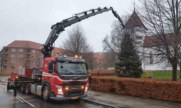 Knud Gade opruster med to nye kraner
